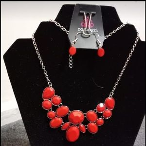 Demi Diva Necklace & Earrings